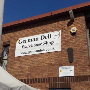 Scheiße Marmite vs. German Reibekuchen